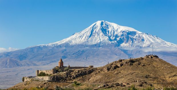 Monasterio_Khor_Virap,_Armenia,_2016-10-01,_DD_25